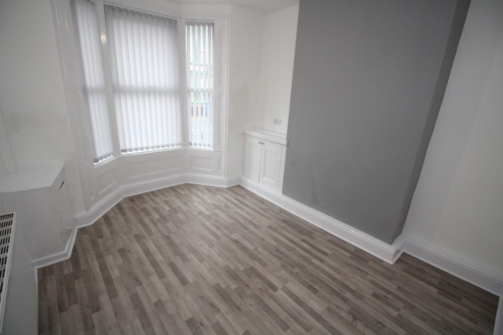 Living Room/Bedroom 4